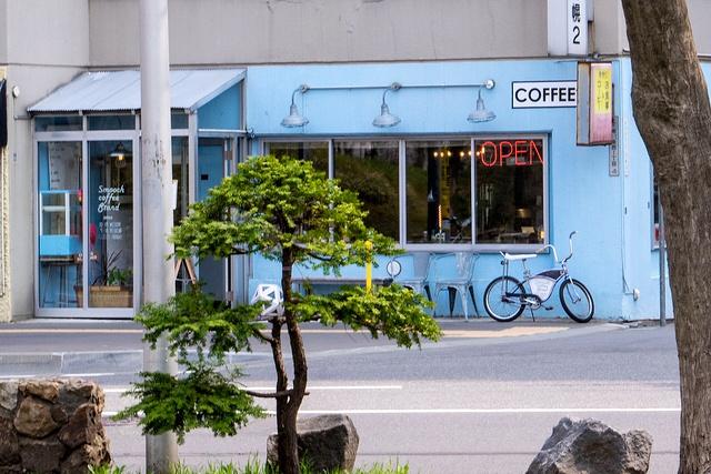こだわりは味に表れる! 中島公園に面するカフェ SMOOCH COFFEE STAND