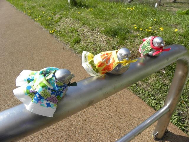 服を着た小鳥たちがほっこりすると話題!苫小牧の道の駅ウトナイ湖