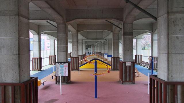 北海道では珍しい高架下公園が札幌に!北6条エルムの里公園で健康に