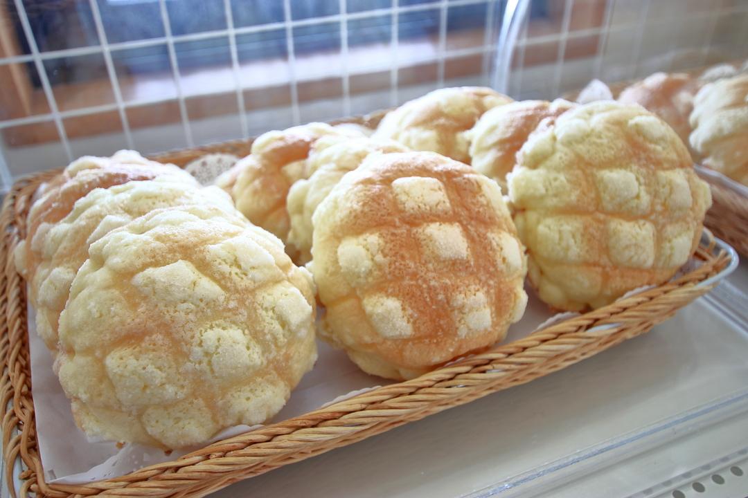 道の駅「絵本の里けんぶち」は焼き立てパンが人気
