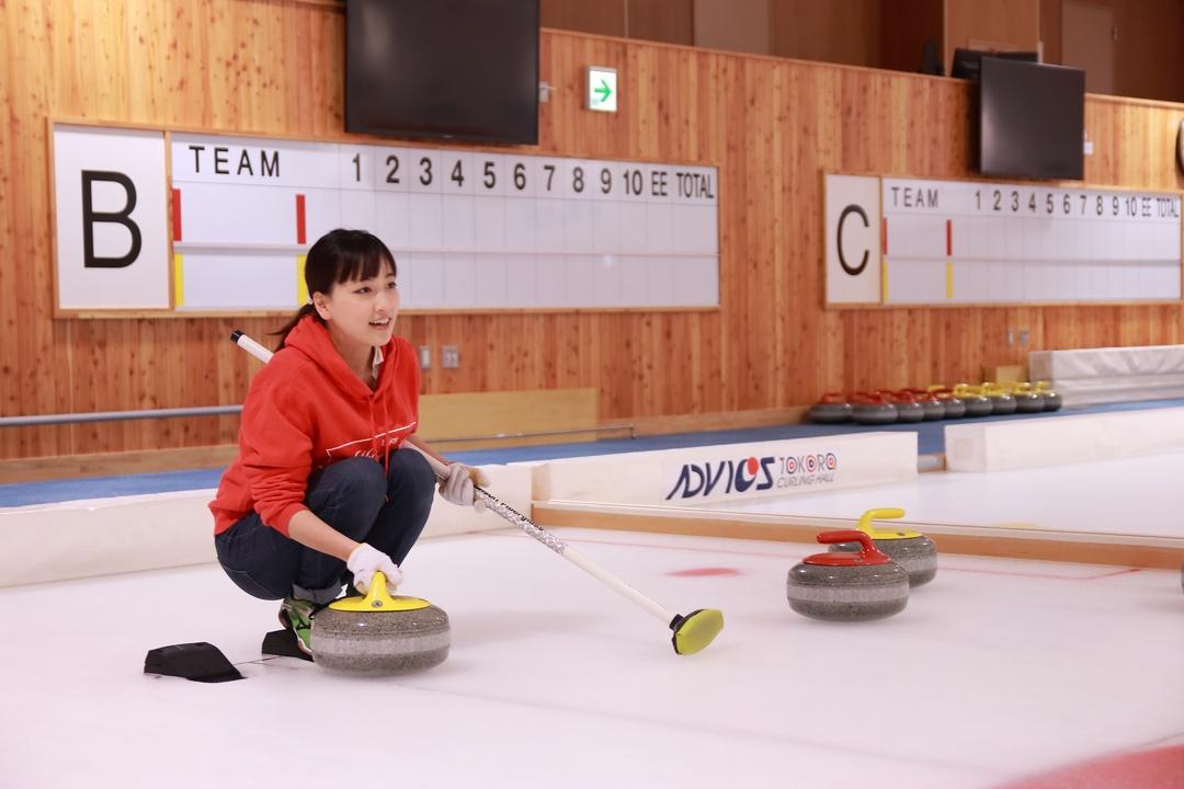 元LS北見メンバー江田茜先生に教わる 初めてのカーリング体験