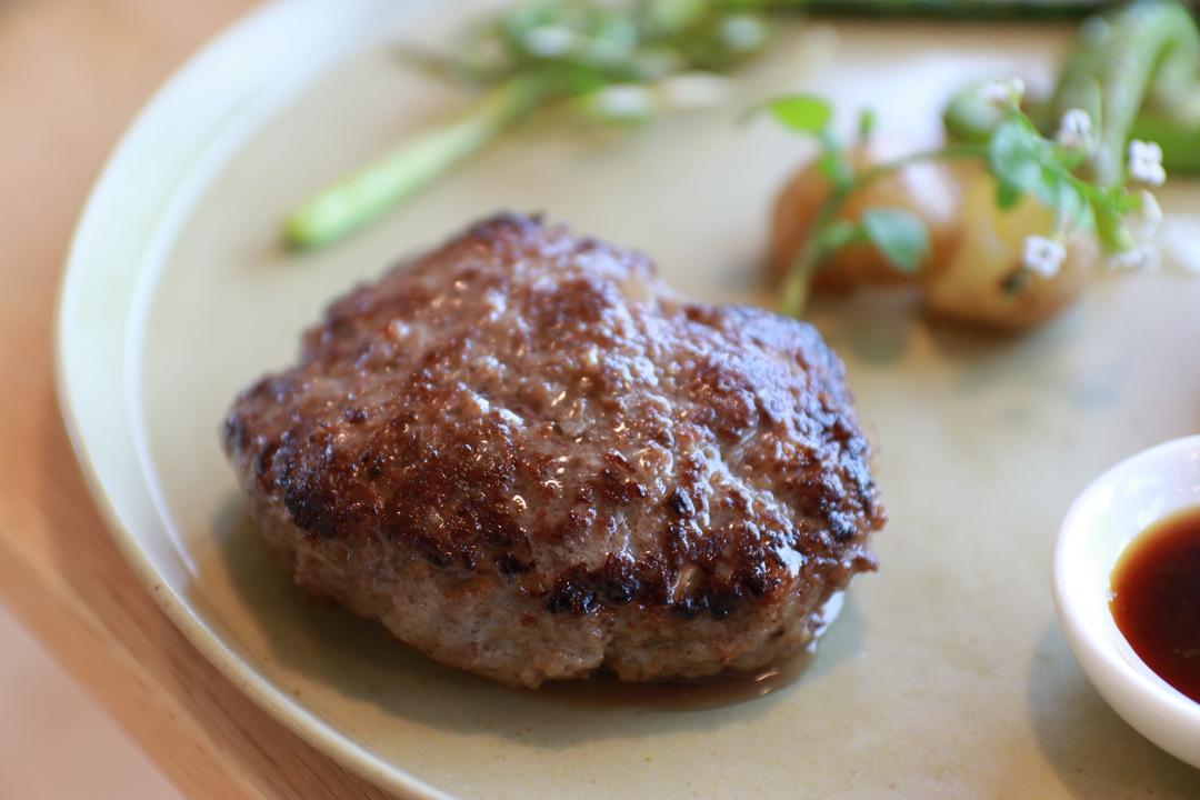 栗山町の和牛農家レストラン「菅野牧園」でヘルシーな牛肉料理をいただく!!
