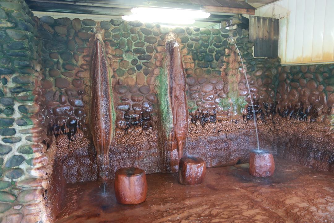炭酸泉が珍しい!こびりついた湯の花も必見!上ノ国町「湯ノ岱温泉」