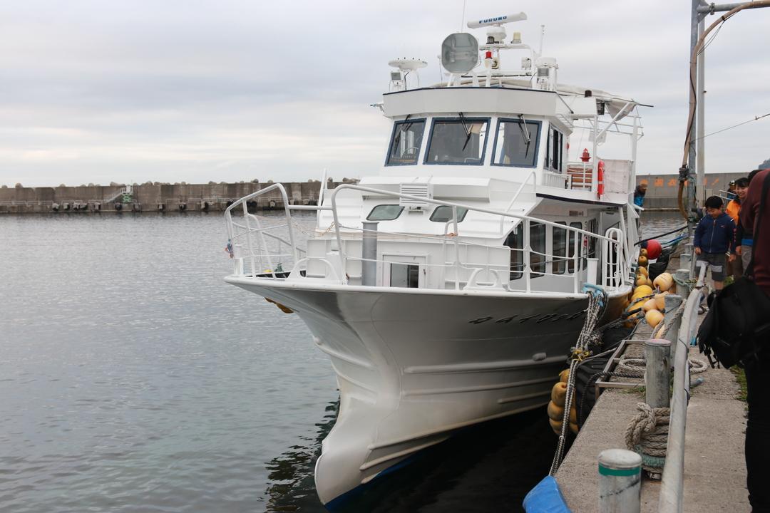 ヒグマ目撃率約95%!世界自然遺産知床を小型観光船でクルージングしよう