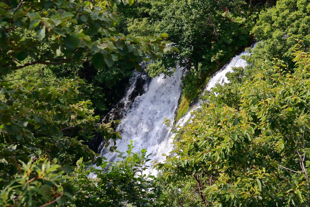 下から見るか?上から見るか?オシンコシンの滝をディープに楽しむ方法
