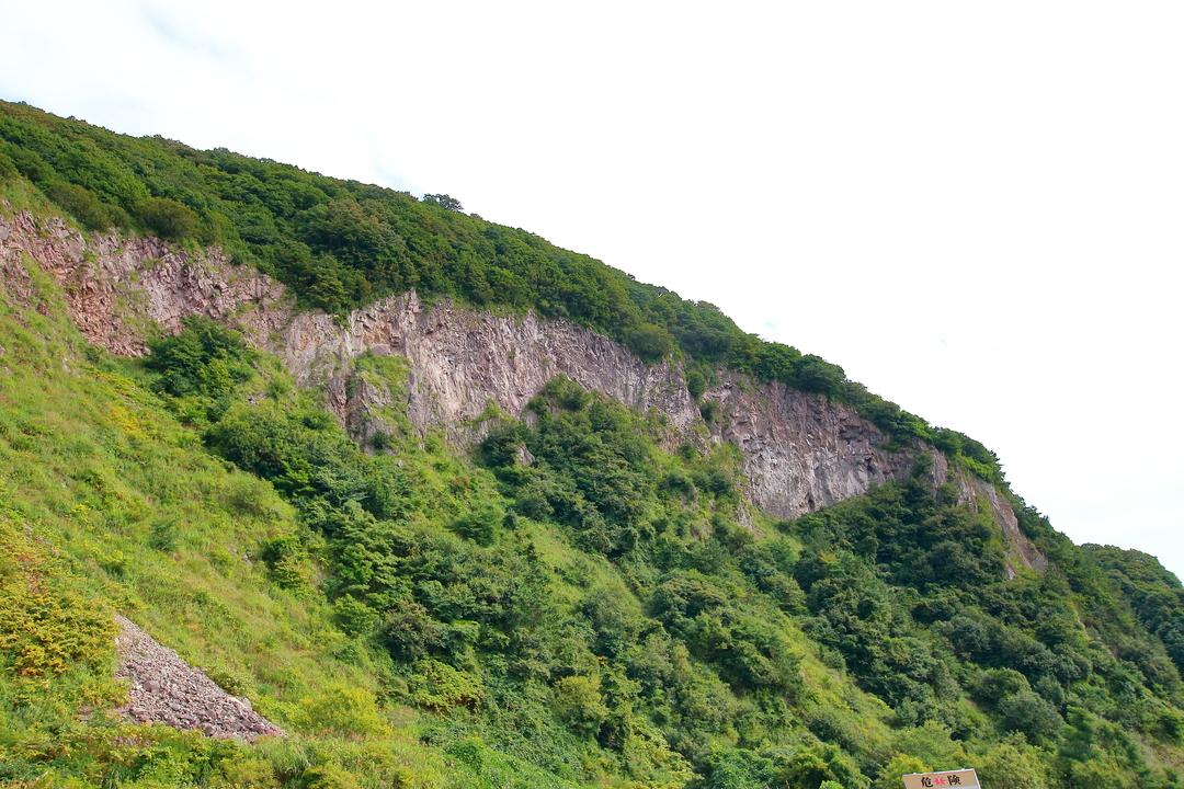 函館山山麓の道路の突き当りには一体何があるのか?秘境「穴間海岸」