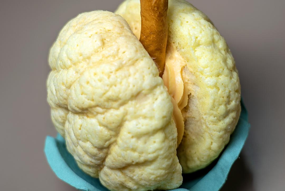 メロンのようなメロンパンに目が離せない!夕張の老舗「阿部菓子舗」