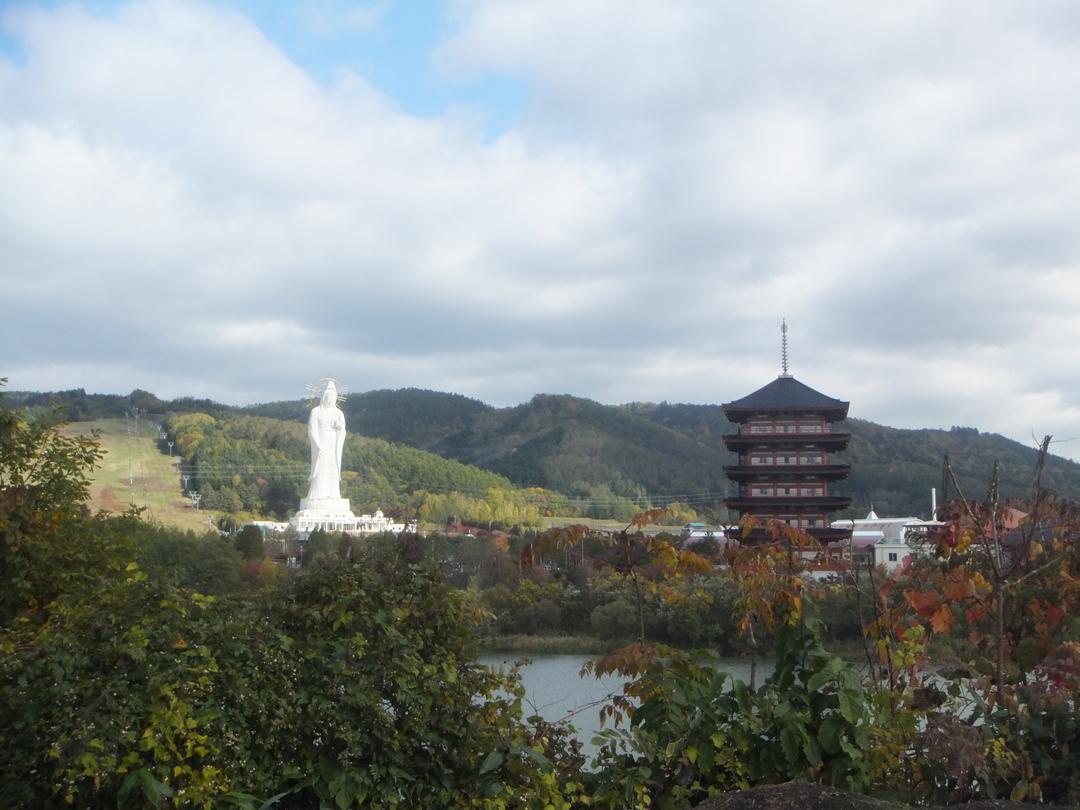高さ約88m!芦別市にある「北海道大観音」の中はどうなっているのか