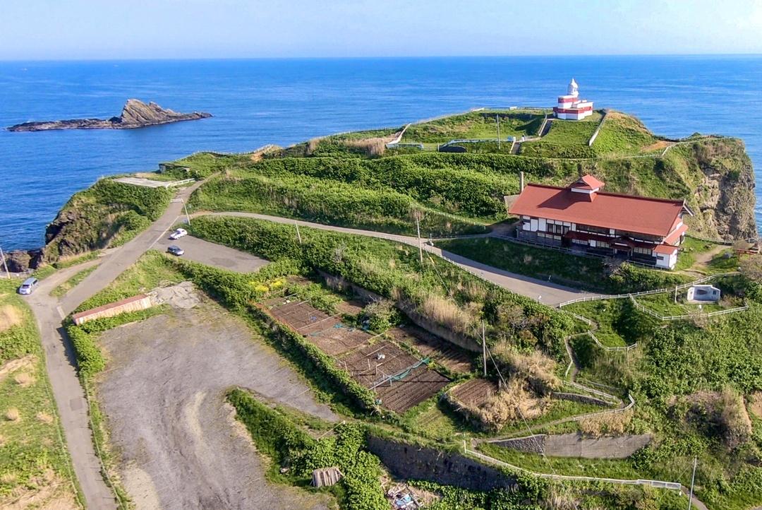 崖の上の「小樽鰊御殿」は積丹から移築したものだった?! その歴史とは