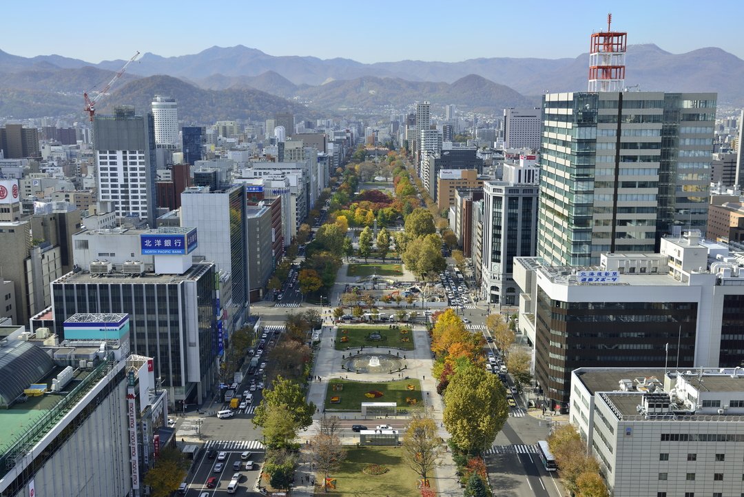 スポーツ施設に教会も!? 札幌市民憩いの場「大通公園」100年の歴史