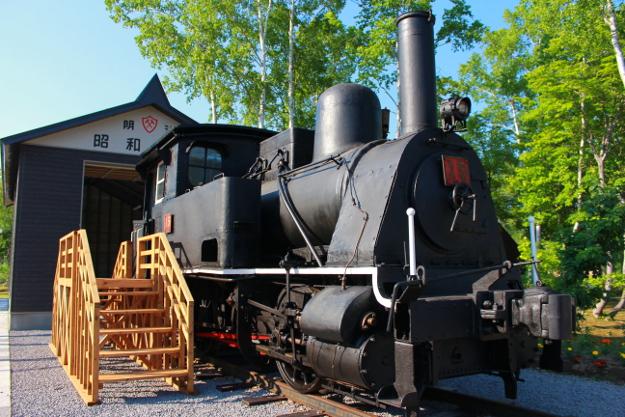年齢は120歳以上! 国内最古の小型蒸気機関車「クラウス15号」