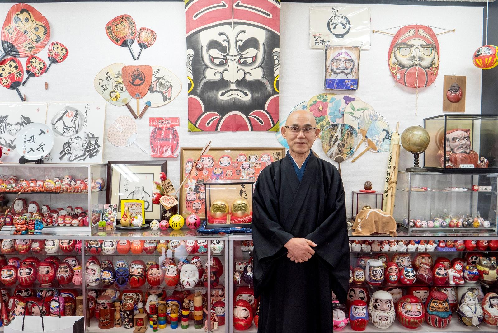 達磨のコレクションは2000体以上!北広島のユニークなお寺「達磨時」