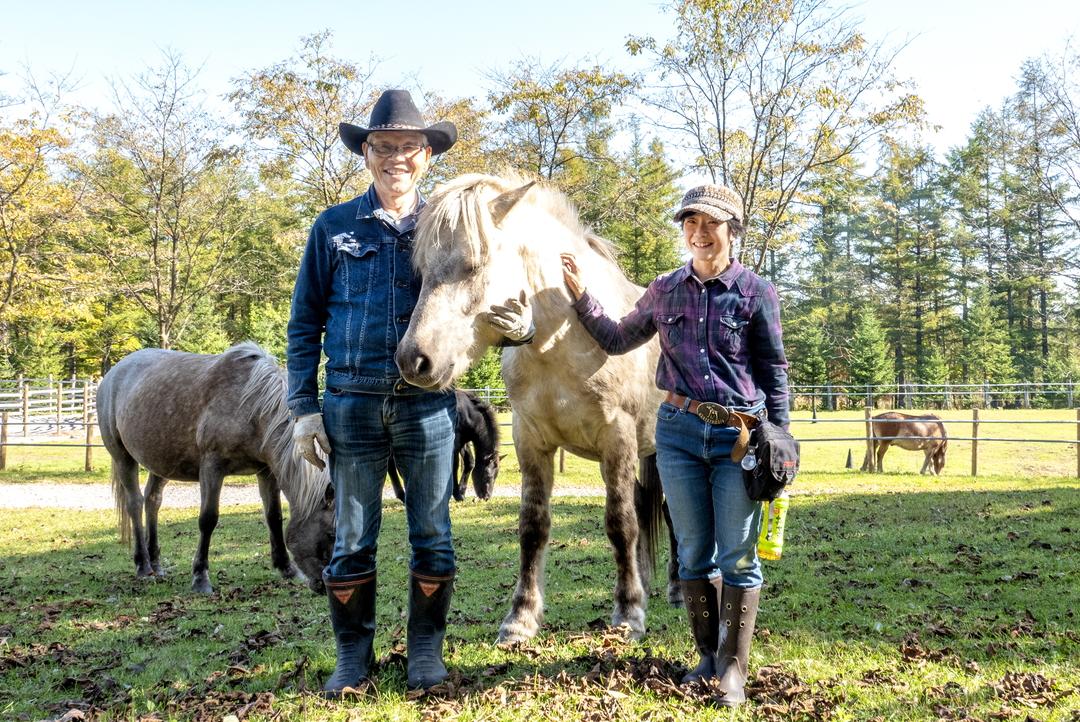 とても人懐っこい馬たちに出会える牧場―芽室町「剣山どさんこ牧」