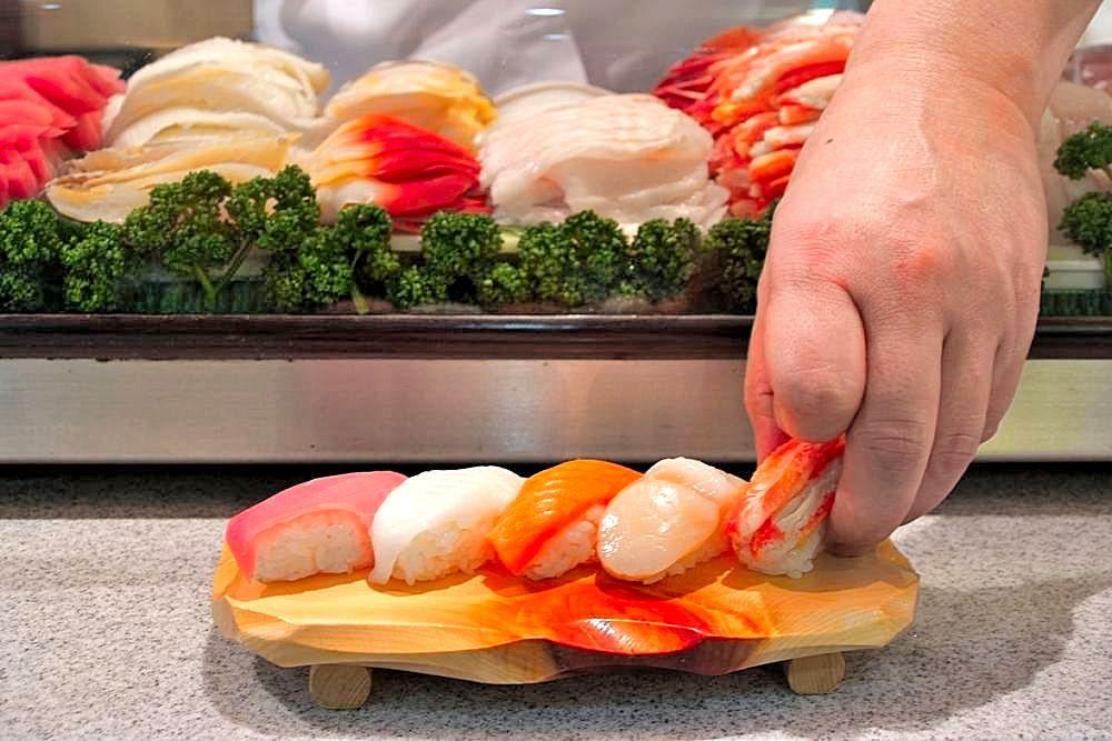 職人が握るお寿司を堪能できるバイキングも登場!知床第一ホテル
