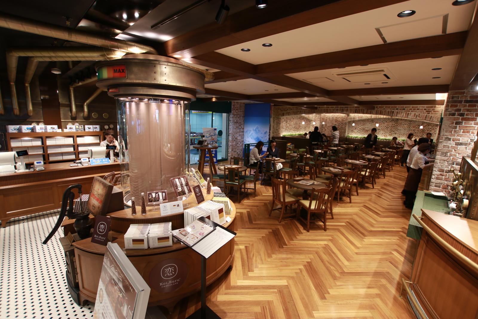 新千歳空港「ISHIYA CAFÉ」見どころはチョコレートの滝や蛇口