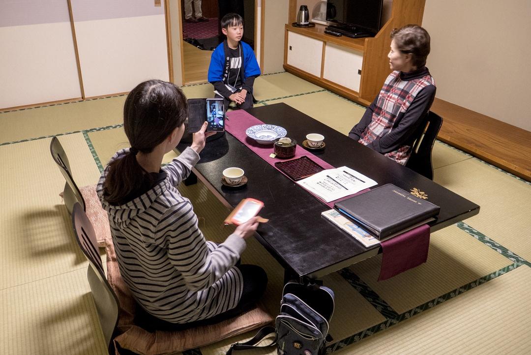 子どもたちがホテルでおもてなし体験!大雪山大学「層雲峡温泉こども旅館」