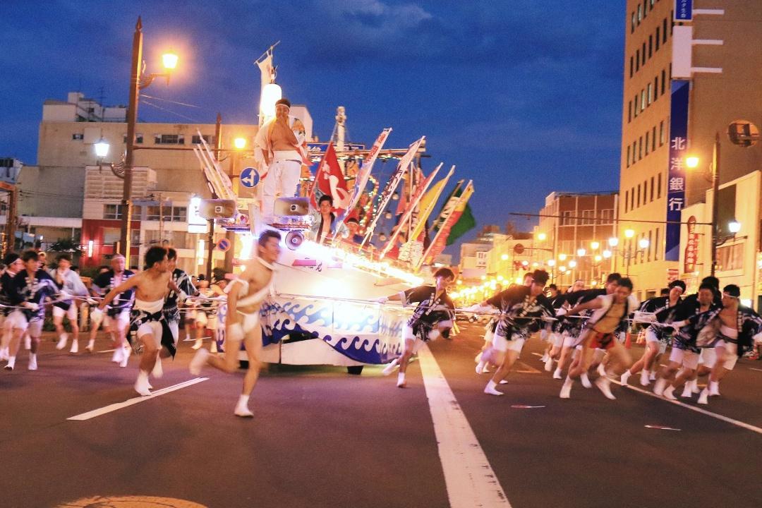 釧路の夏のビッグイベント「くしろ港まつり」のルーツや見どころは?