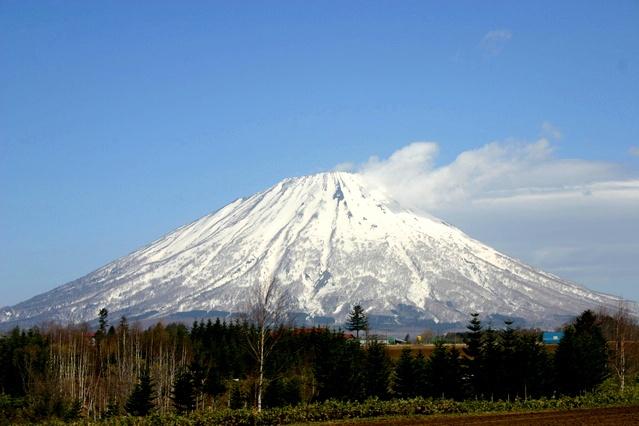 蝦夷富士はプロでも見間違うレベル!? 北海道のそっくり富士山大集合
