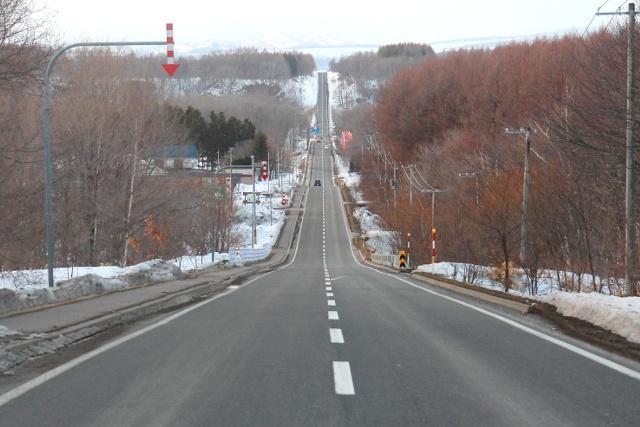 これぞ北海道!どこまでもまっすぐな中標津の道路「ミルクロード」