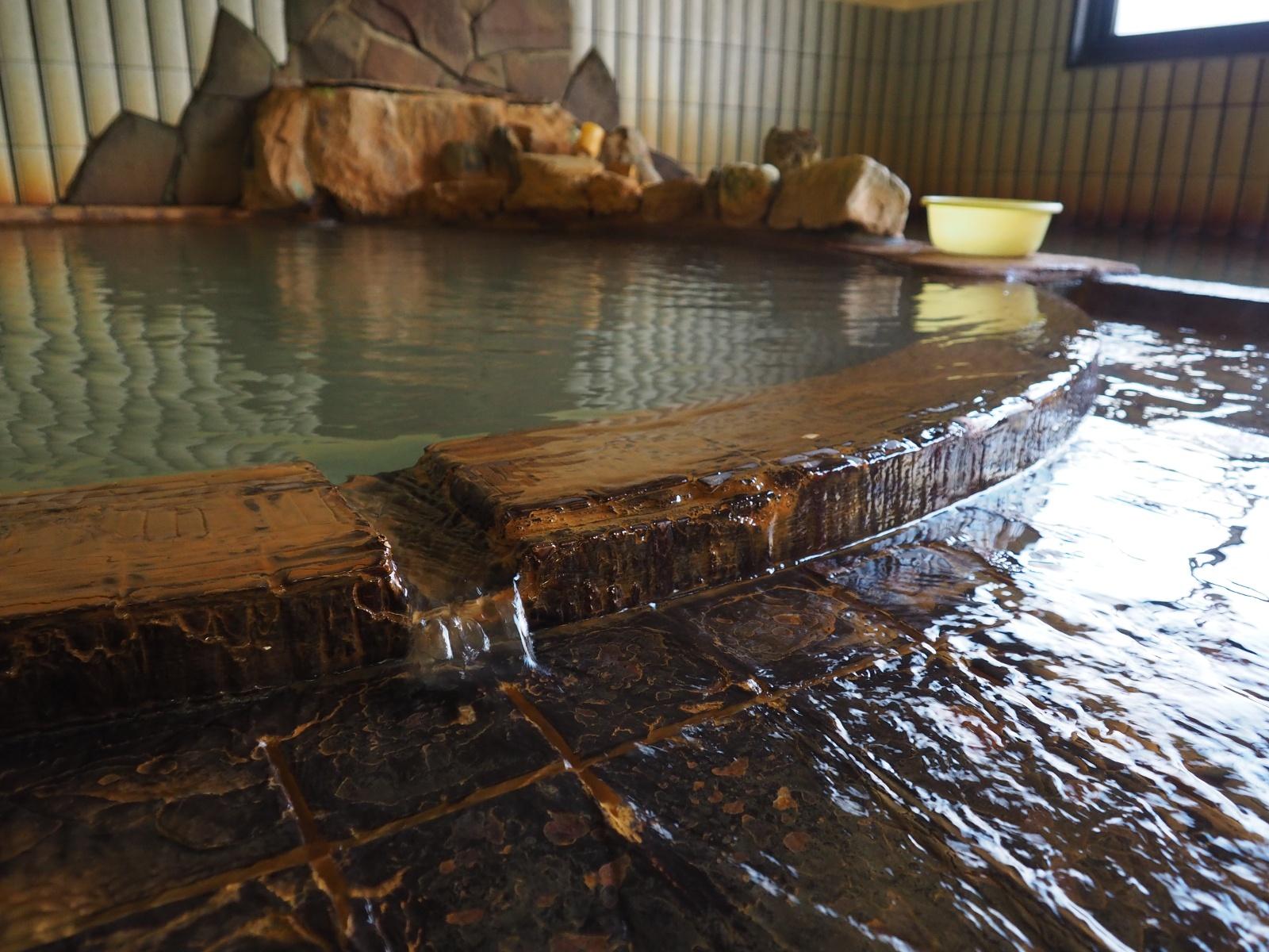 自宅の風呂が温泉!農業も温泉!道内屈指の源泉密集地「濁川温泉」