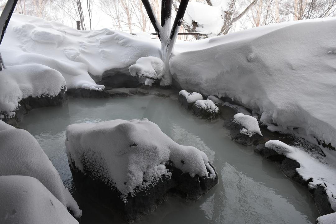 源泉かけ流し!良心的な宿泊料!ニセコ湯本温泉郷「湯ごもりの宿 アダージョ」