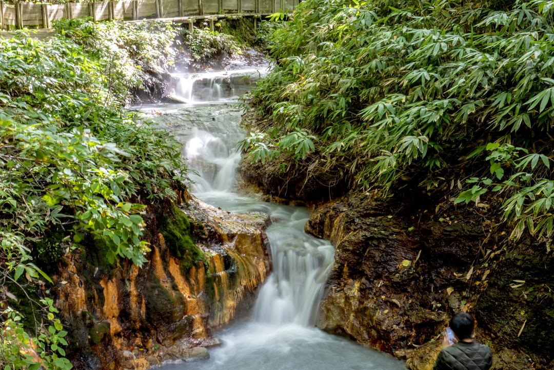 登別「大湯沼川天然足湯」は全国的に珍しい温泉の川だった