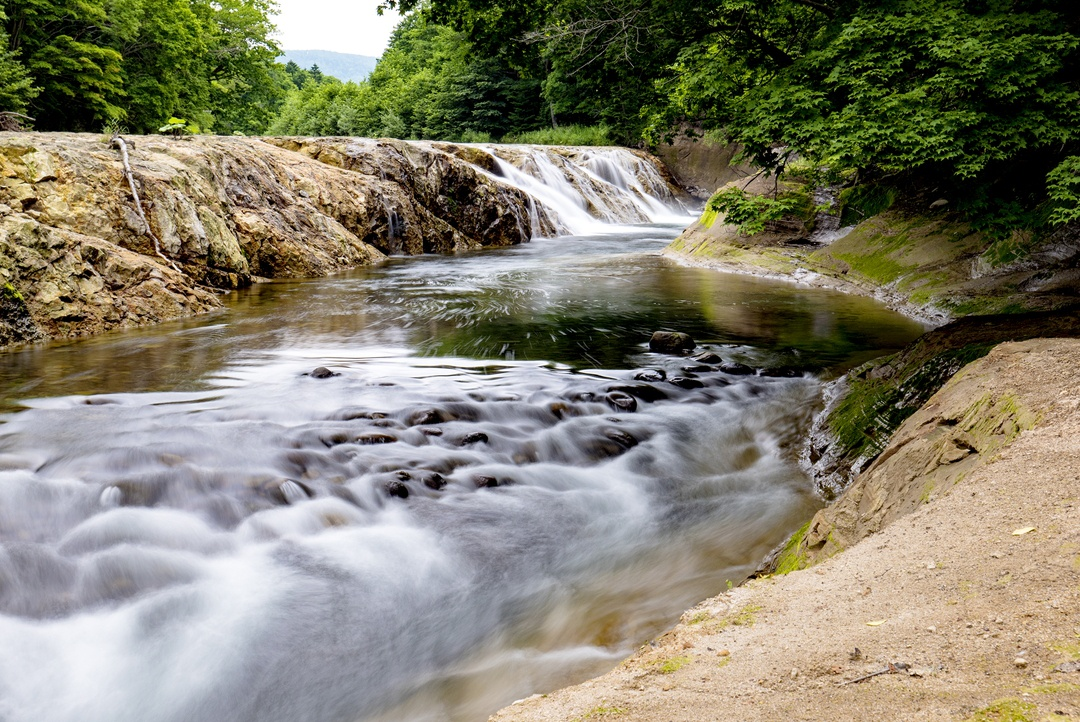 北海道にもナイアガラの滝があるらしい!その姿を見に伊達市大滝へ!