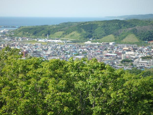 留萌市街を一望、晴れれば天売・焼尻両島も望む「留萌千望台」