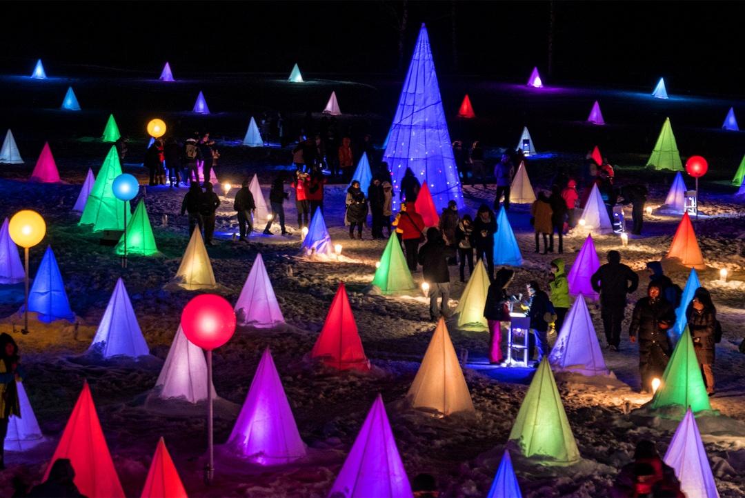 600個の電球が音楽に合わせてカラフルに輝く!十勝川温泉「彩凛華®」