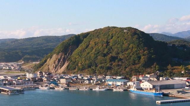 様似海岸を眺めるならどちらがお好き?山側の「観音山展望台」から編