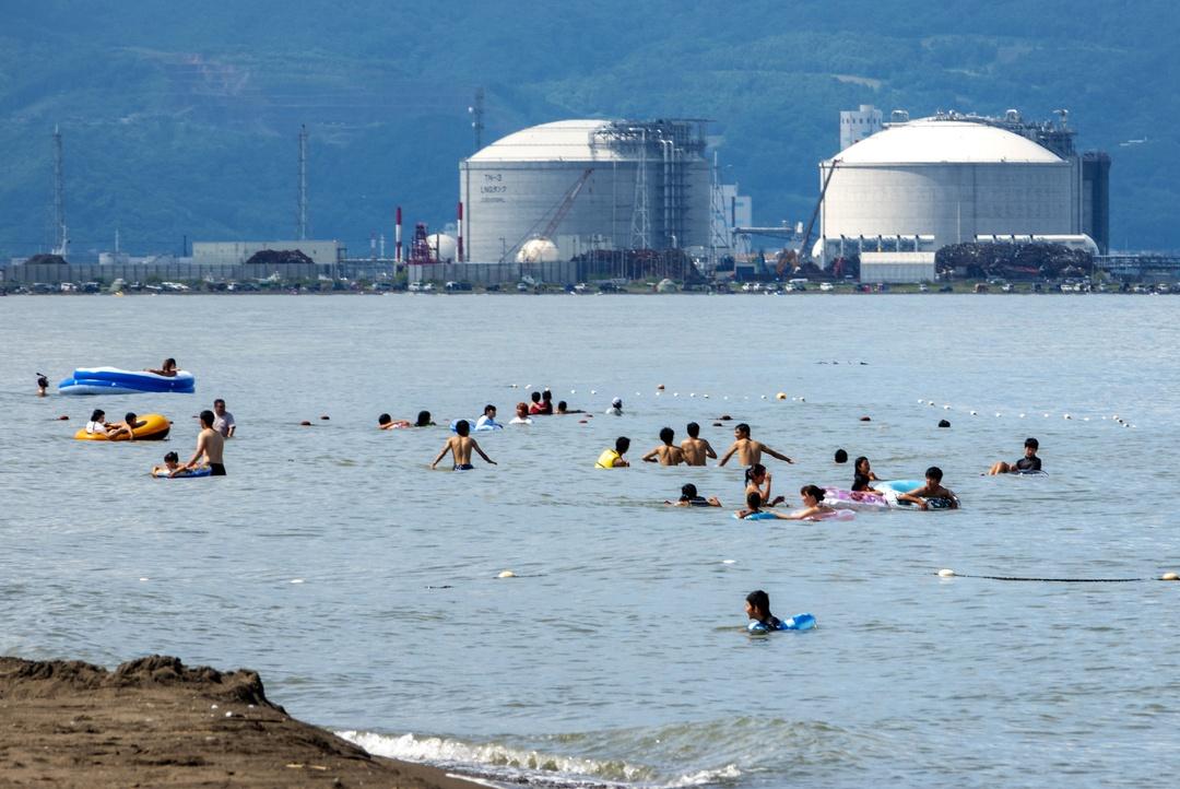 北海道民は海水浴場でテントを張ってキャンプをするのが常識!?