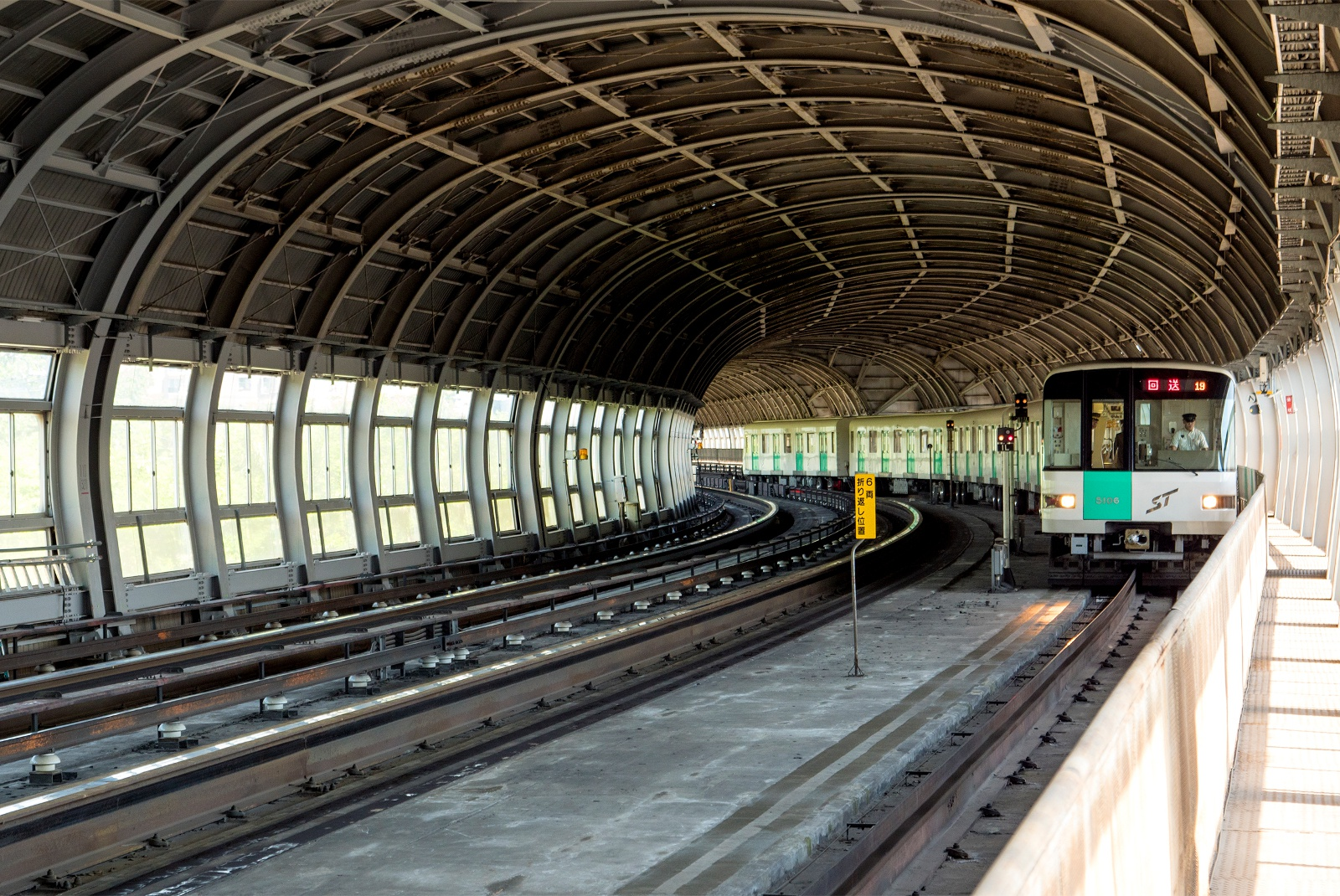 地下鉄なのにシェルター?! 南北線の一部区間が地上に出るワケとは
