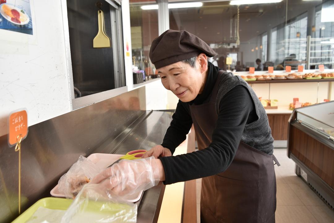 お米のシフォンケーキが人気!美唄市「すぎうらベーカリー」