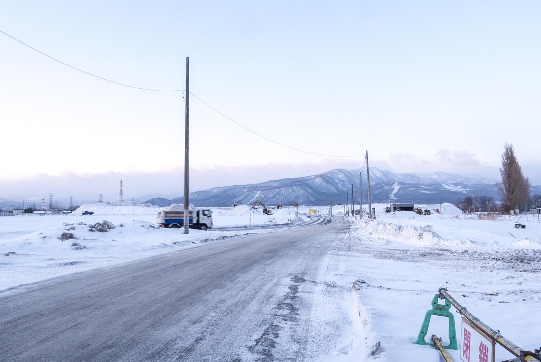 除雪された雪はココに行く!雪捨場に巨大な雪山ができるまで