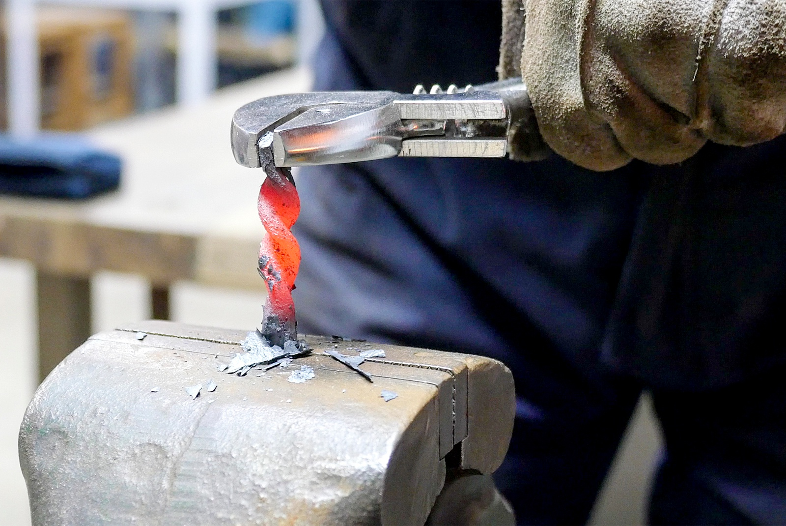 鉄のまち室蘭は「鉄」で盛り上げる!鉄の製作体験で復権目指すテツプロ