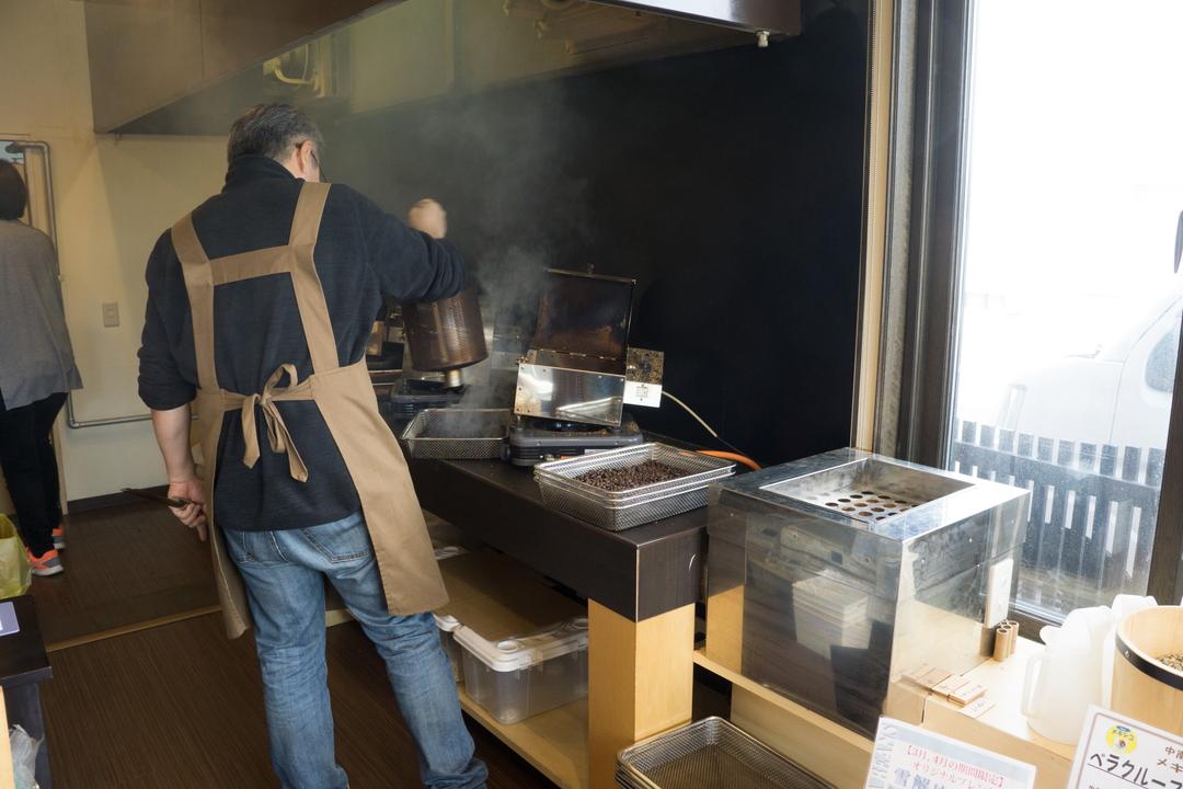 30種類がズラリ!札幌のコーヒー店「山鼻Beans」が鮮度にこだわるワケ
